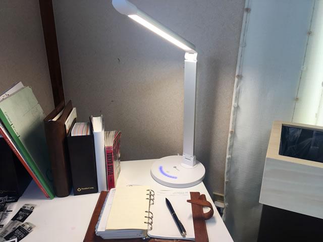 LEDデスクスタンド